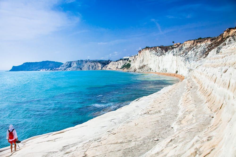 Pláž Cala dei Turchi, Sicílie, Itálie