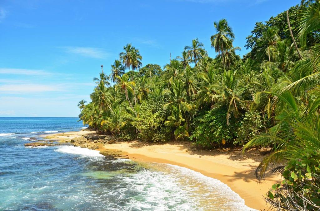 Kostarika, pláže, palmy