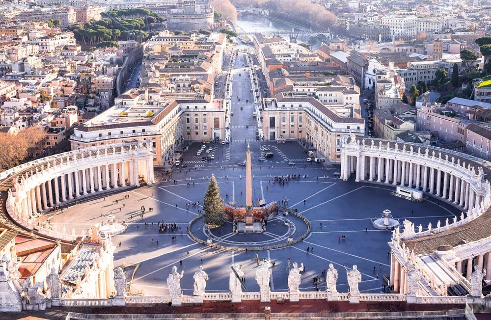Náměstí sv. Petra v Římě, Vatikán