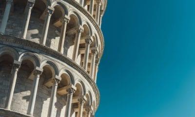 Detail Šikmé věže v Pise.