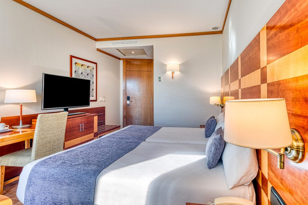 Pokoj v hotelu Senator Parque Central.