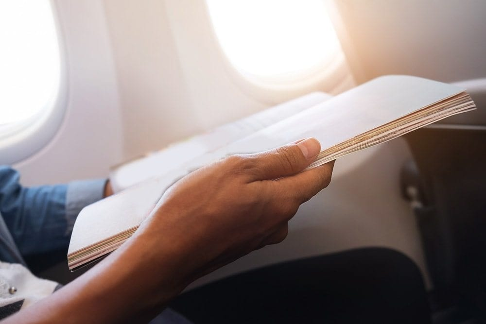 Kniha v letadle