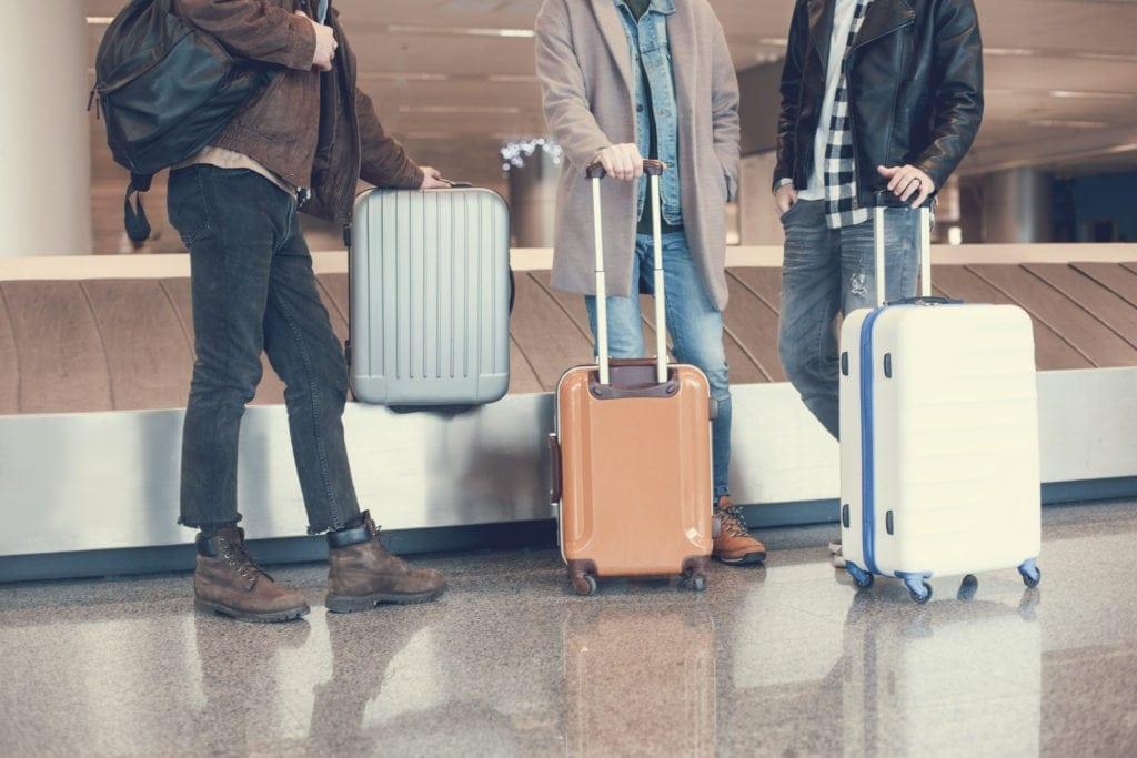 Pasažéři na letišti