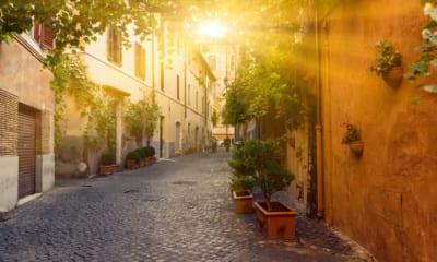 Malebná ulička v Římě