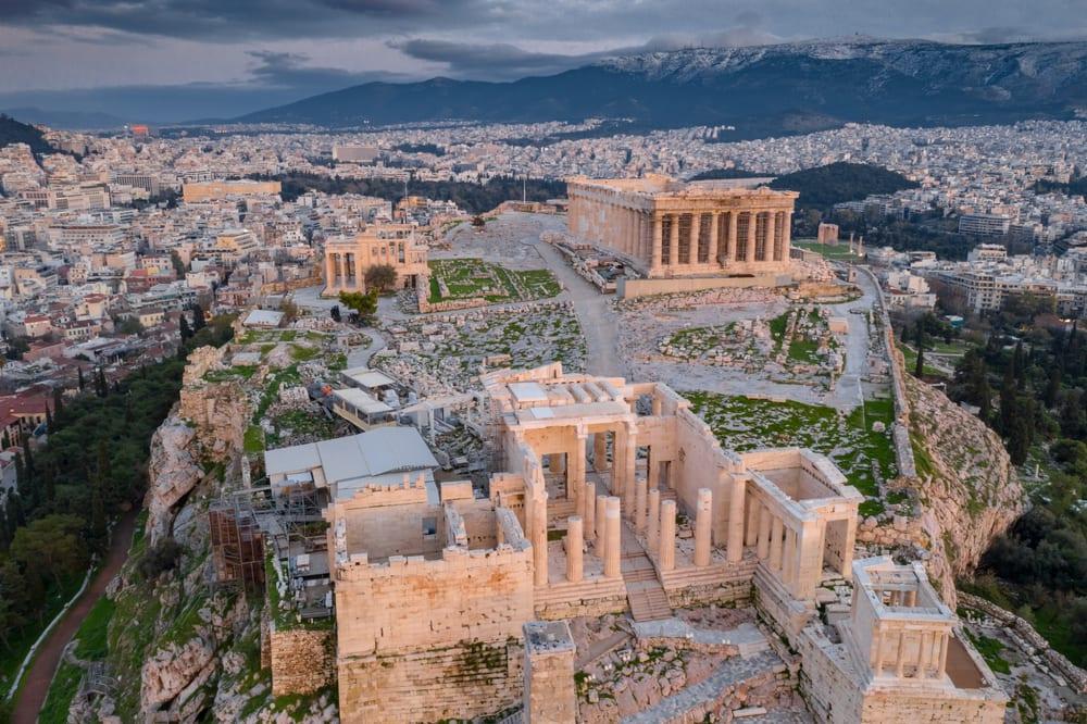 Hotel V Athénách Kazil Výhled Na Akropolis Musí Zbourat Horní Patra Pelipecky
