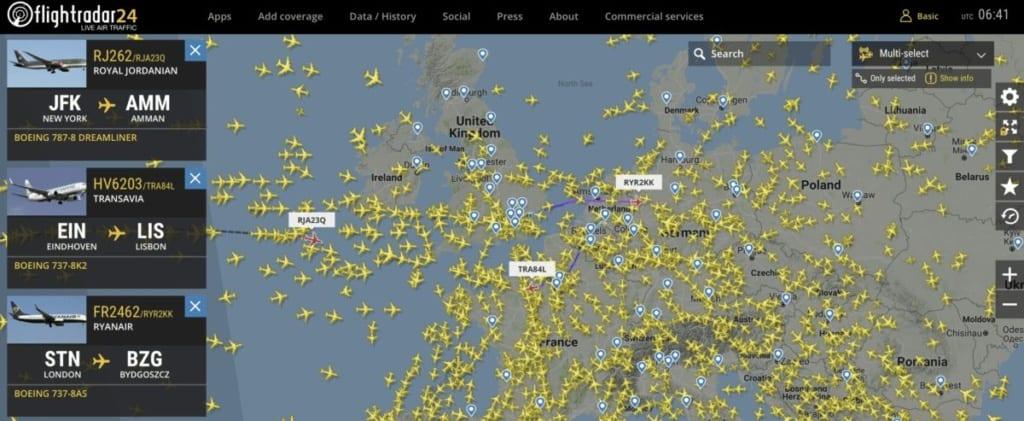 Sledováníletů na online mapě Flightradaru24