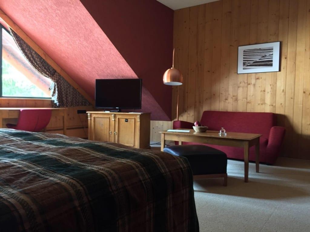 Tri Studničky - postel, televize, sedačka