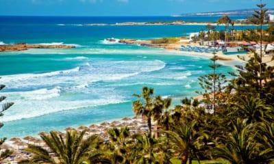 Pláž na Kypru, moře