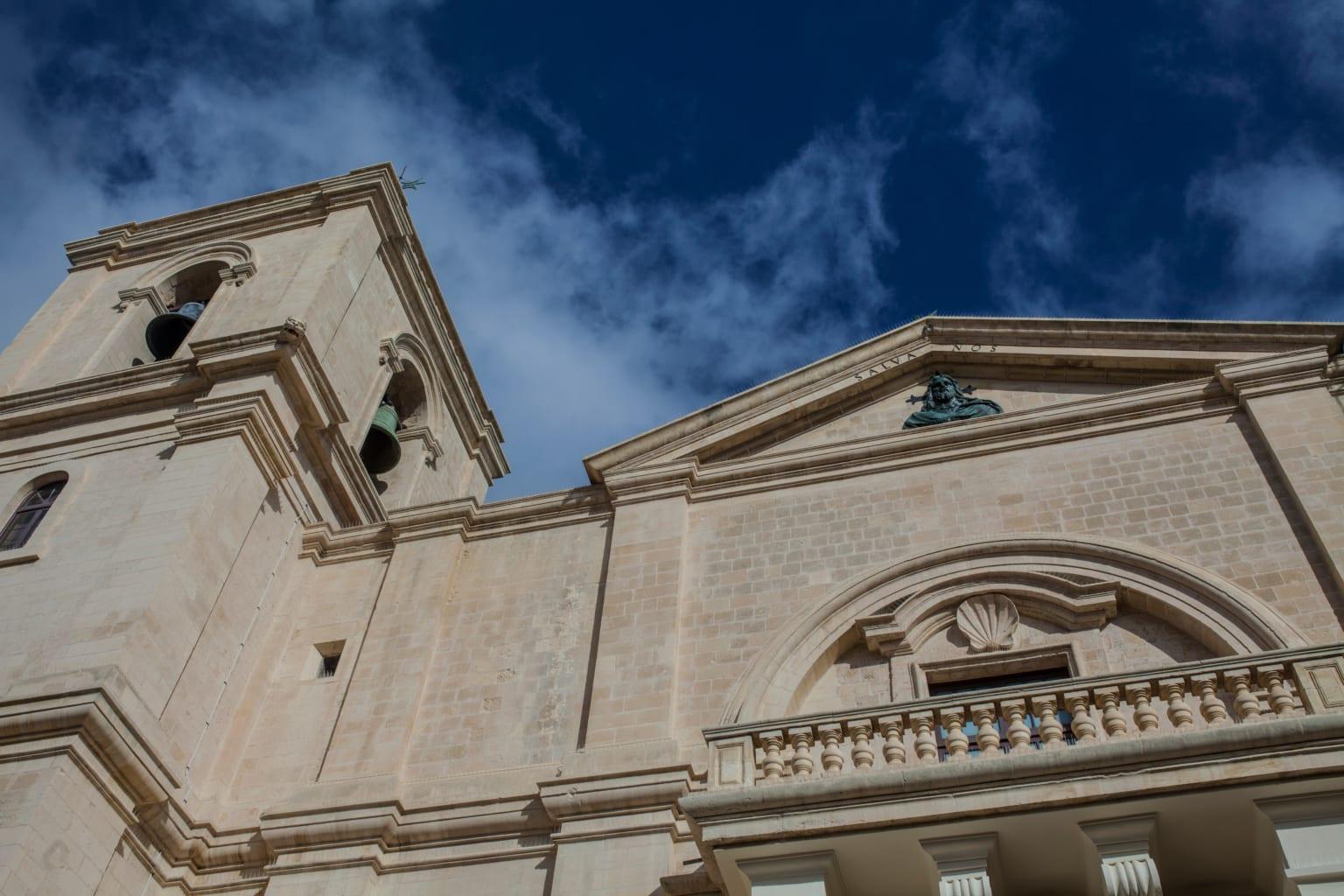 Malta je sice malá, ale nudě šanci nedá. 15 fantastických