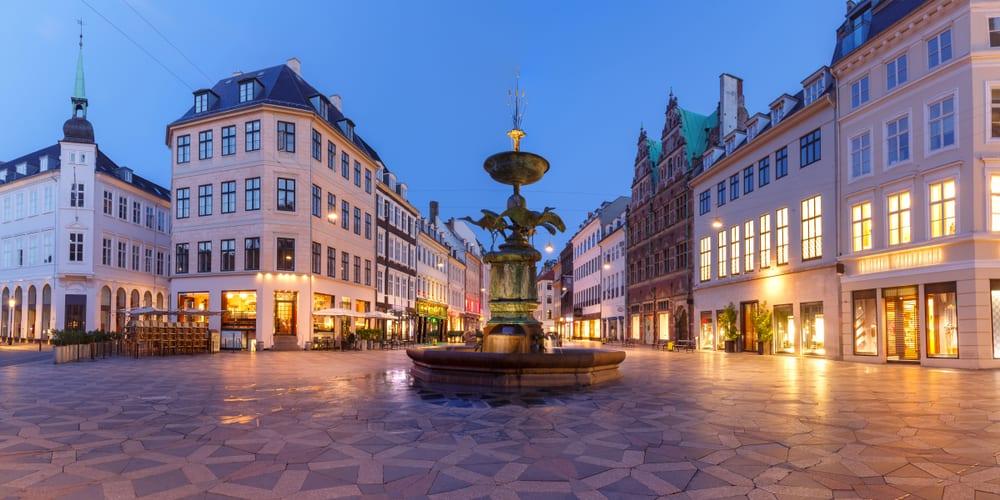 Večerní bnáměstí v Kodani