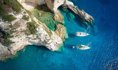 Řecké útesy a moře