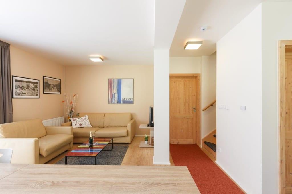 Interiér obývacího pokoje v Chalet6harrachov se saunou.