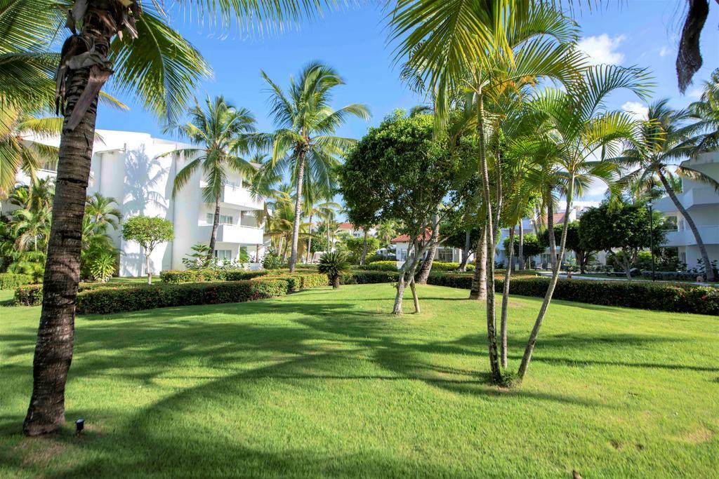 Tropická zahrada v hotelu Occidental v Dominikánské republice
