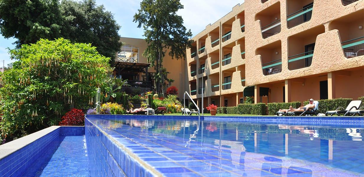 Bazén hotelu Dom Pedro Garajau na Madeiře