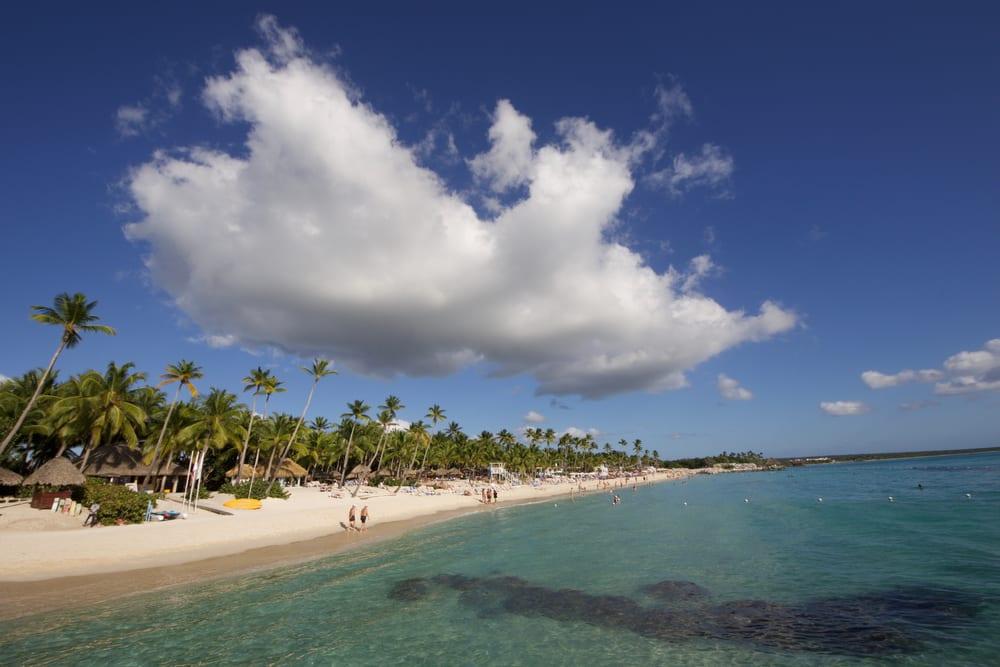 Pláž Playa Dominicus v Dominikánské republice