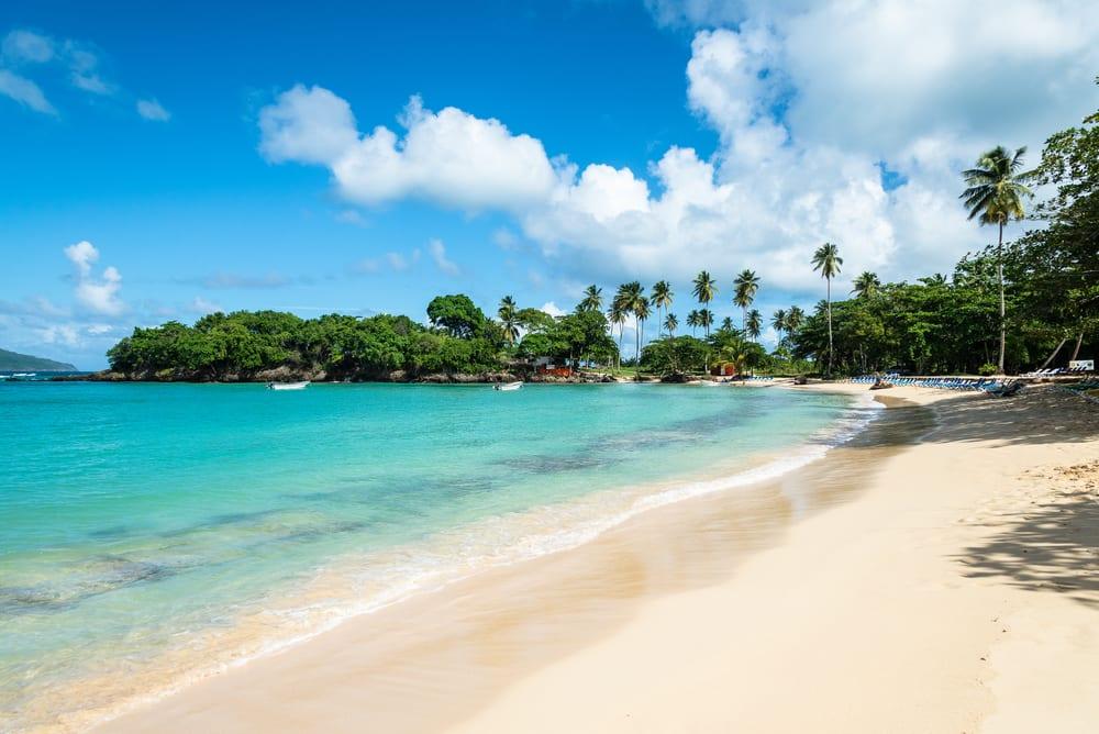 Pláž Playa Rincón v Dominikásnké republicenikás