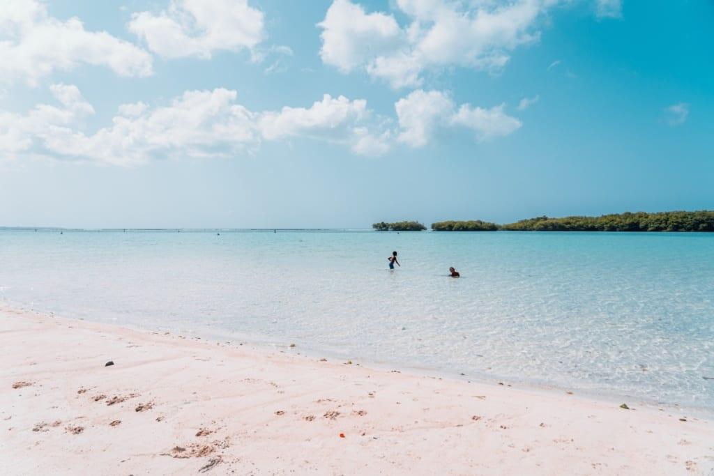 Pláž Playa Boca Chica v Dominikánské republice