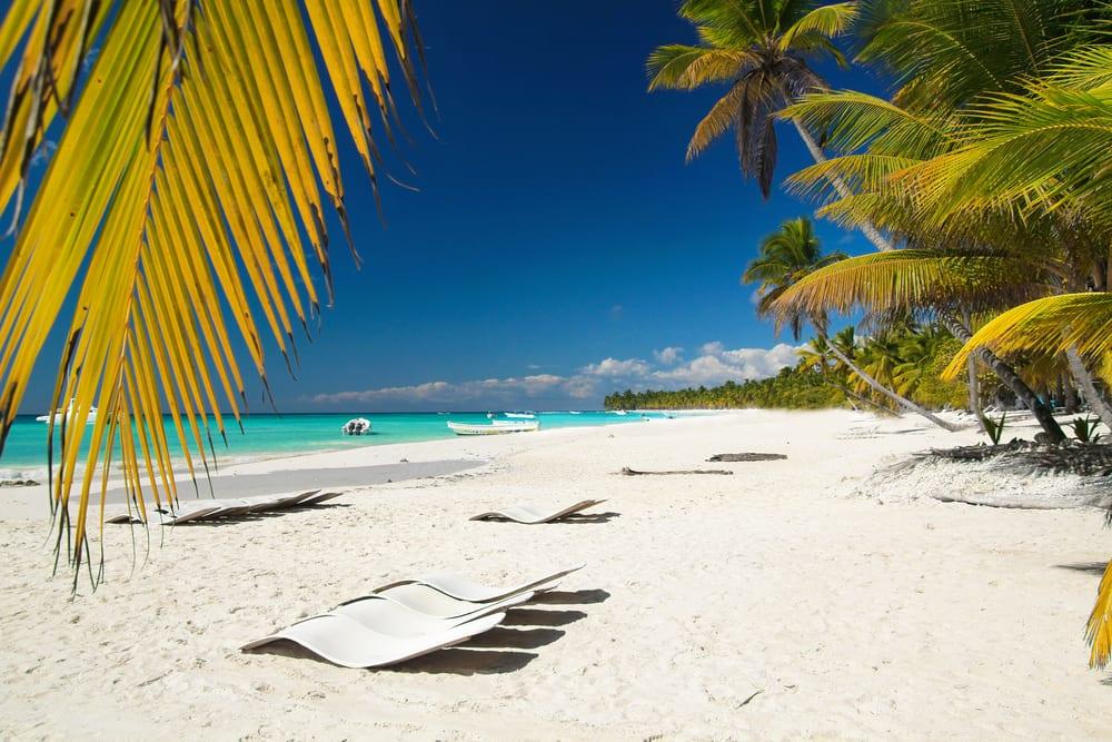 Pláž v Karibiku na Dominikánské republice
