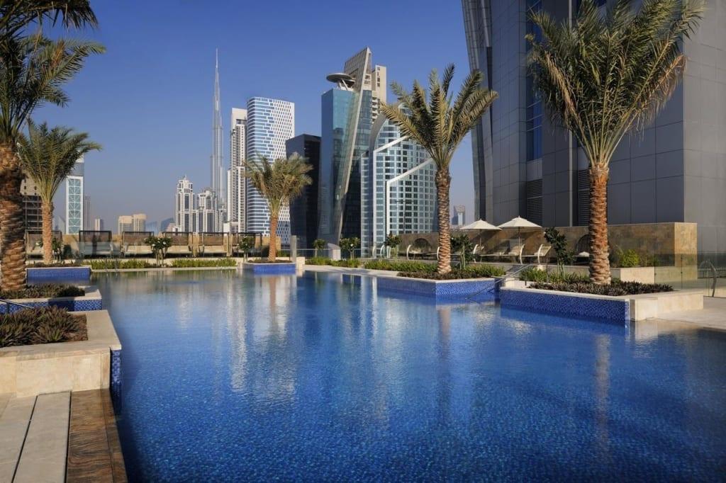 Bazén v hotelu JW Marriott Marquie v Dubaji