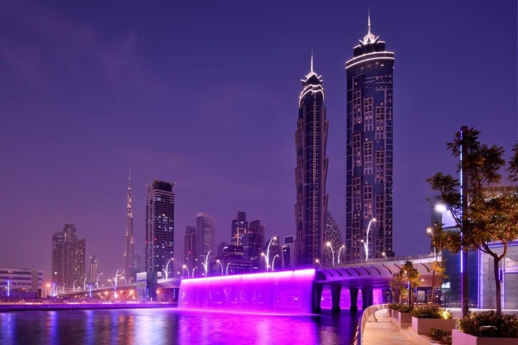 Scenérie hotelu JW Marriott Marquie v Dubaji