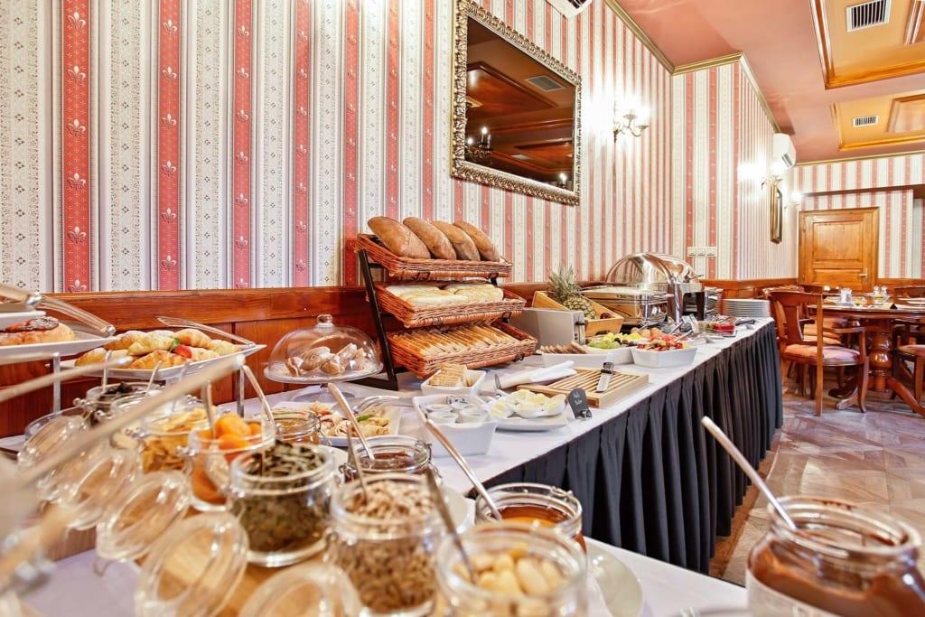 Snídaně v Chateau St Havel v Praze