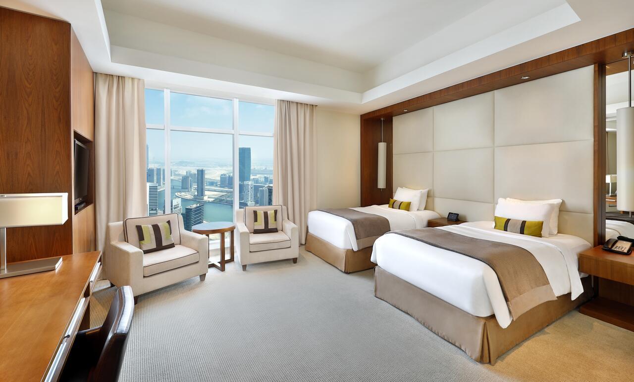 Emirates přidají k letence hotel zdarma