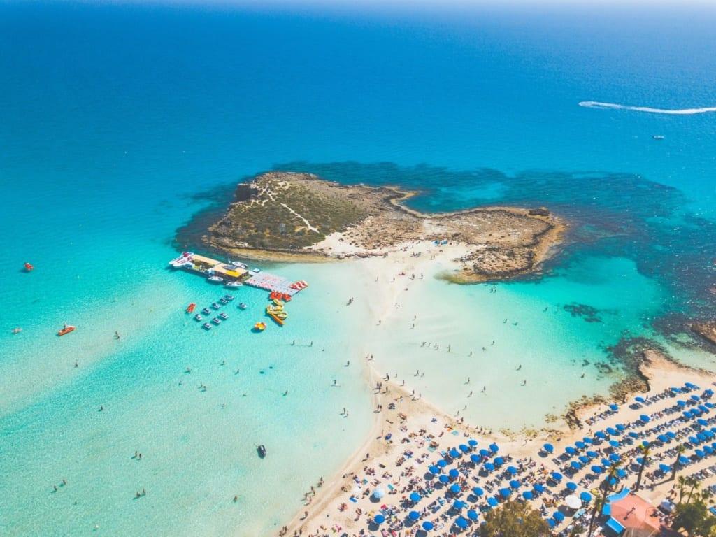 Kypr otevřen turistům