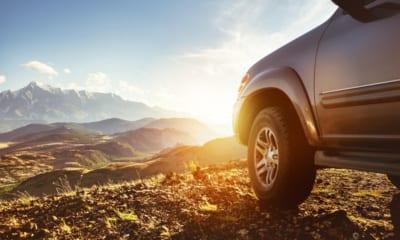 SUV v horách