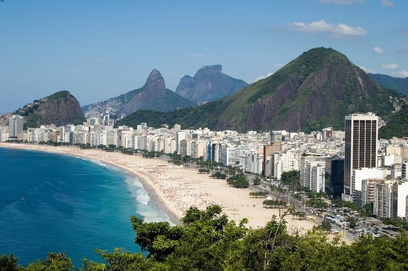 Pohled na pláže Copacabana, Rio de Janeiro, Brazílie