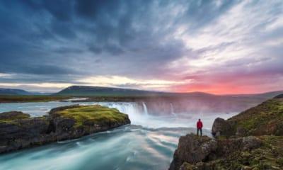 Island levně
