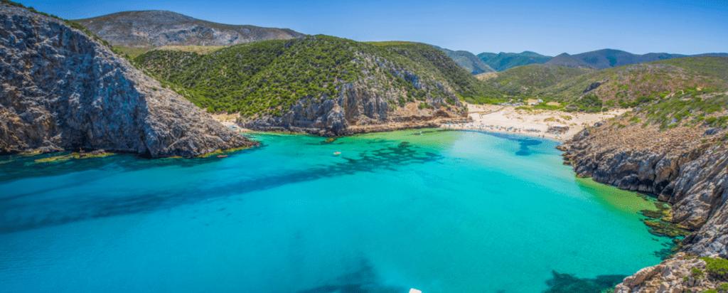 Kam bezpečně cestovat za koronaviru, otevřené země, Sardinie