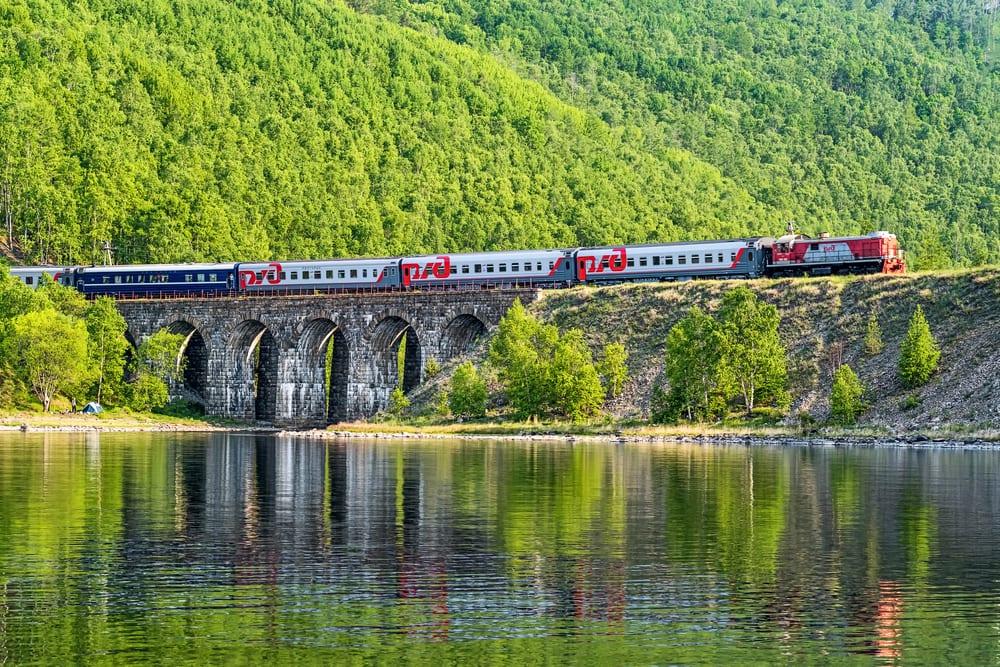 Rusko, turistický vlak, car