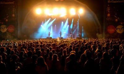 V Barceloně se konal koncert s tisíci účastníků. Testovali bezpečnost akcí