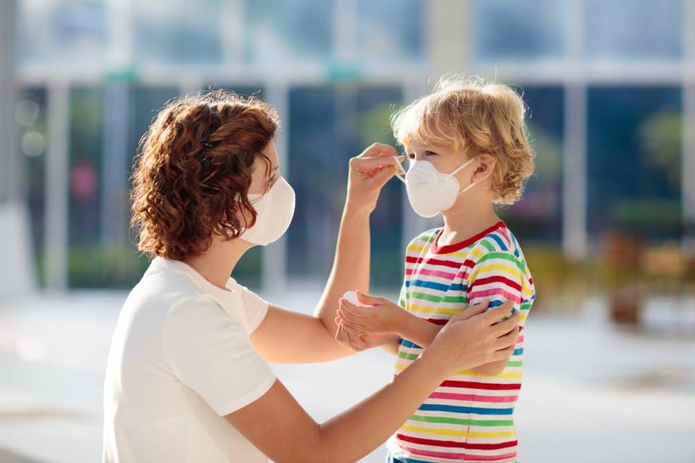 Roušky za pandemie, bezpečné cestování za pandemie