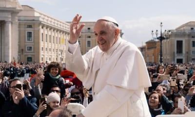 Papež lety