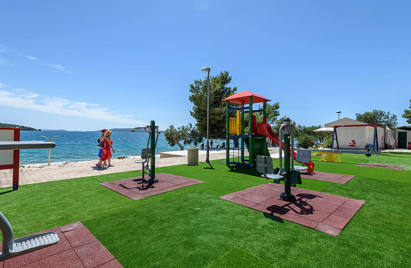 Dovolená, Hotel only, v apartmánech typu Superior, Aparntemts Medena, Trogir, Chorvatsko, Dětské hřiště
